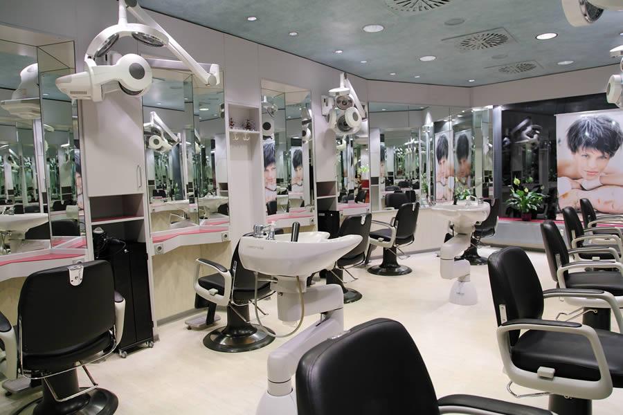 Friseur Salon Peer in Fulda Innenstadt, Hair Stylist, Frisör Meister